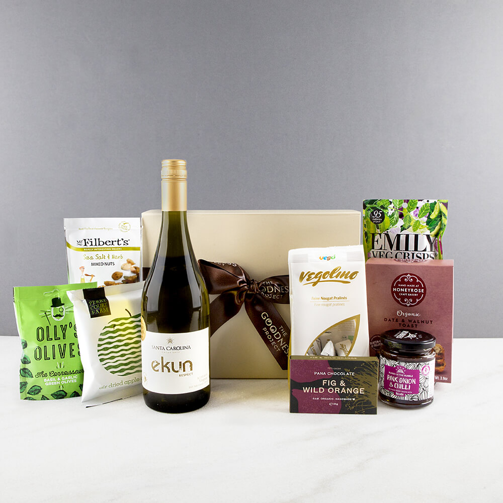 content/alcohol-hampers/10.-white-wine-hamper-20.jpg