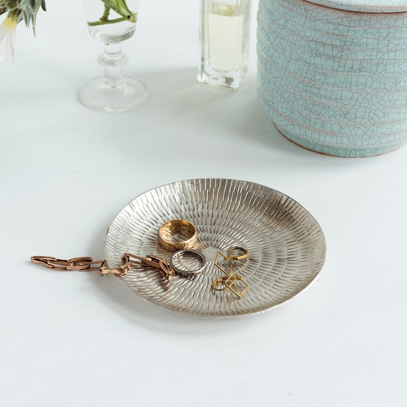 content/eco-gifts/silvered-brass-jewellery-dish-eco-lifestyle.jpg
