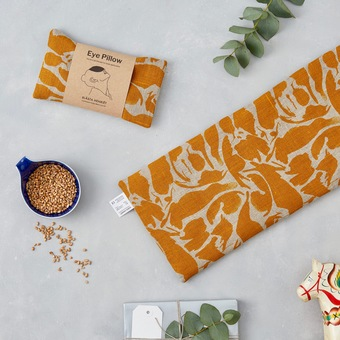 content/eco-gifts/yellow-linen-eye-pillow-lifestyle.jpg