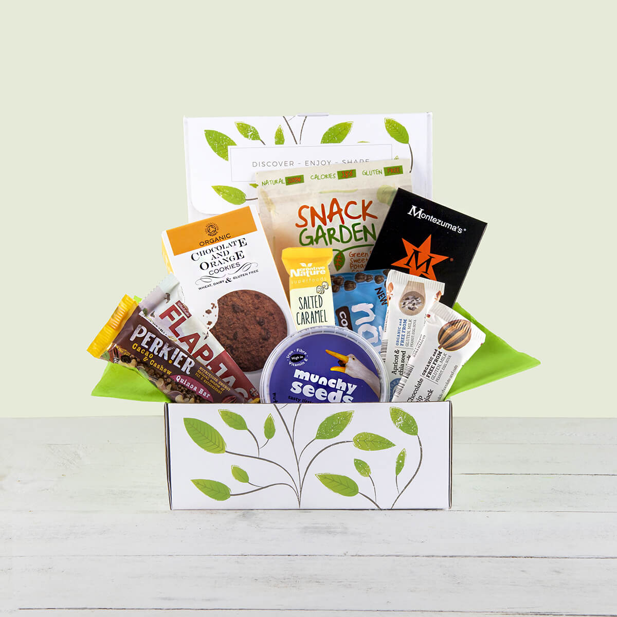 Gluten free snack hamper gift box contentproductsgluten free snack hamper gift box1 negle Image collections