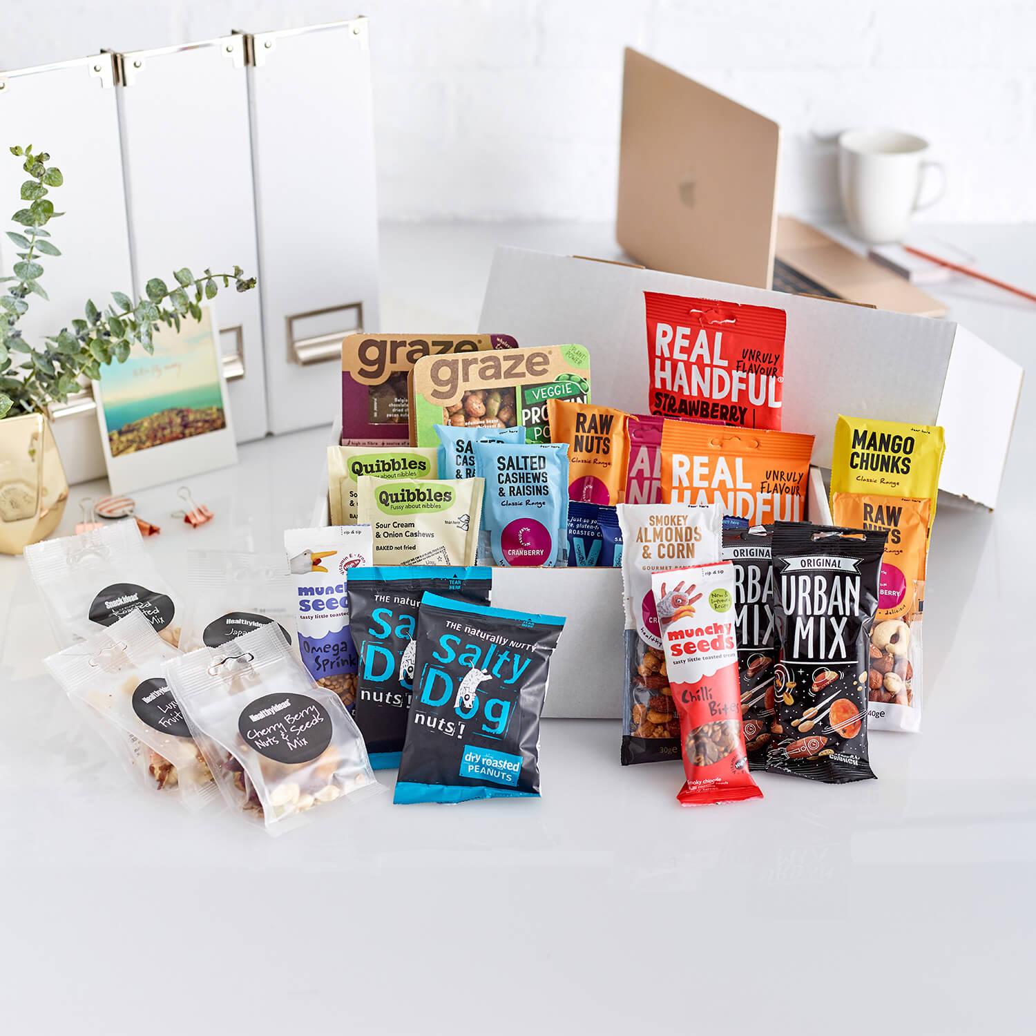 content/products/office-pantry-nibble-box.jpg