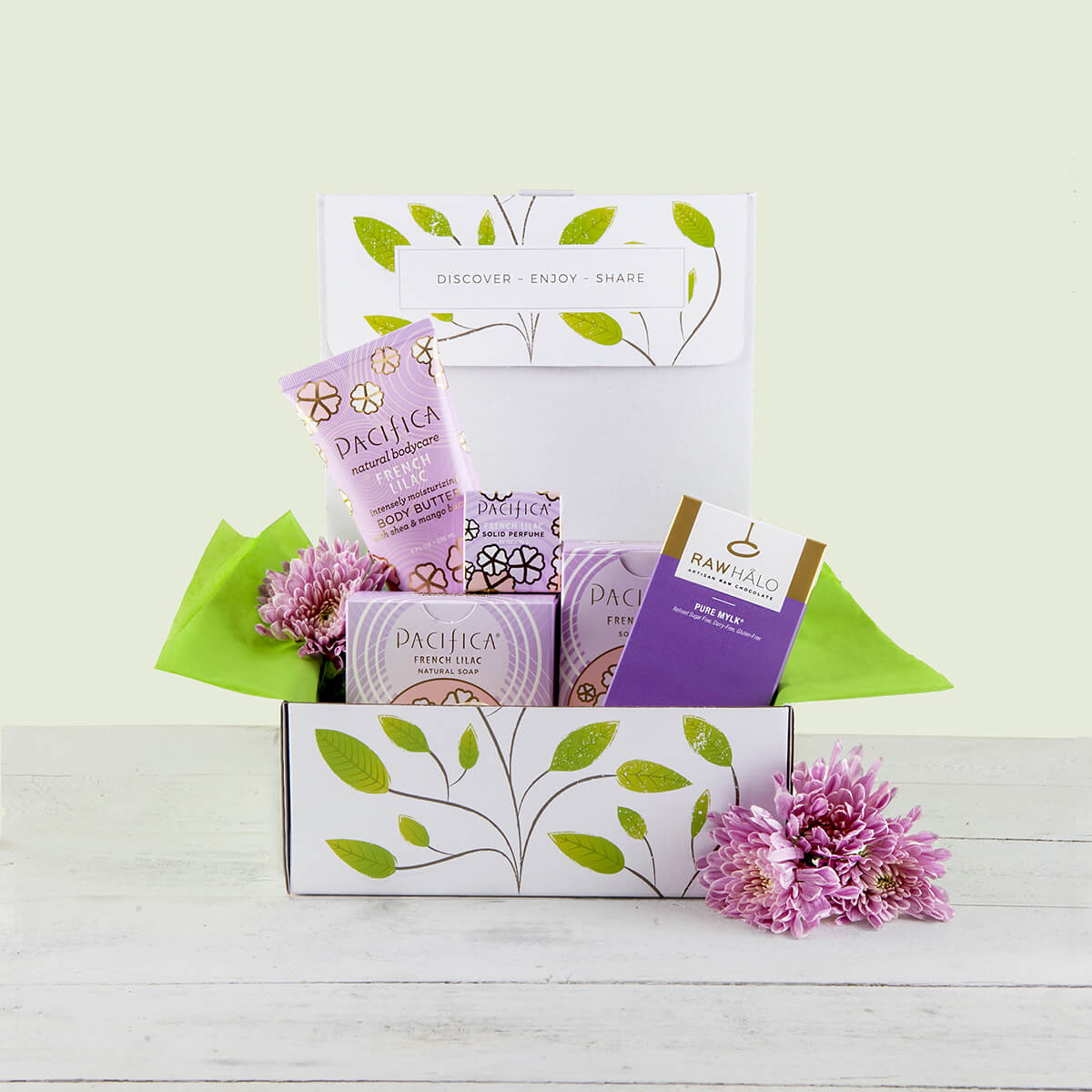 content/products/pacifica-french-lilac-gift-box.jpg