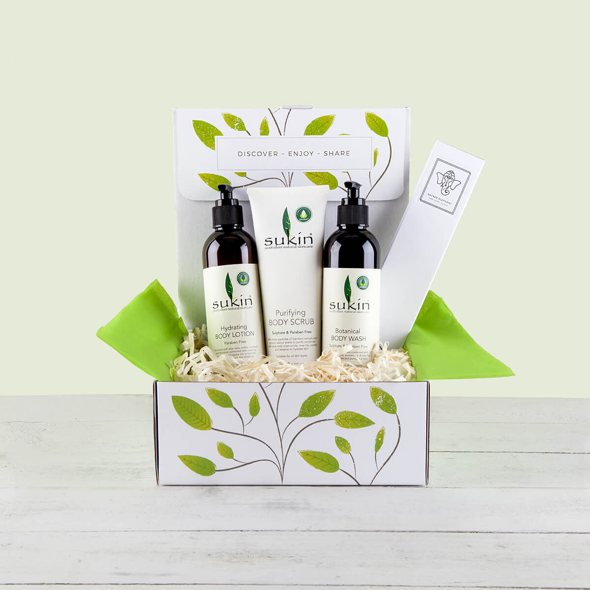 content/products/sukin-vegan-pampering-hamper-gift-box.jpg